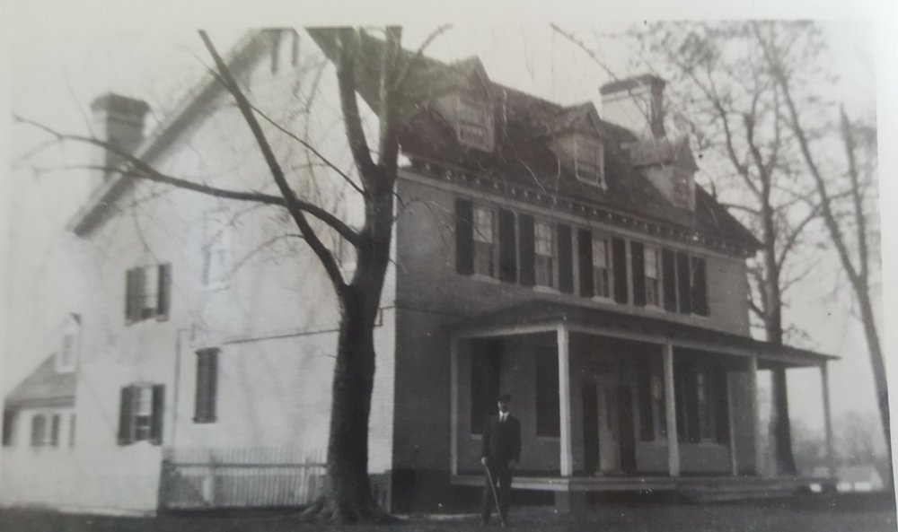 Photo graciously provided by the pippin family. You can see the original cornice of the house, from where a sample of paint was taken and analyzed.