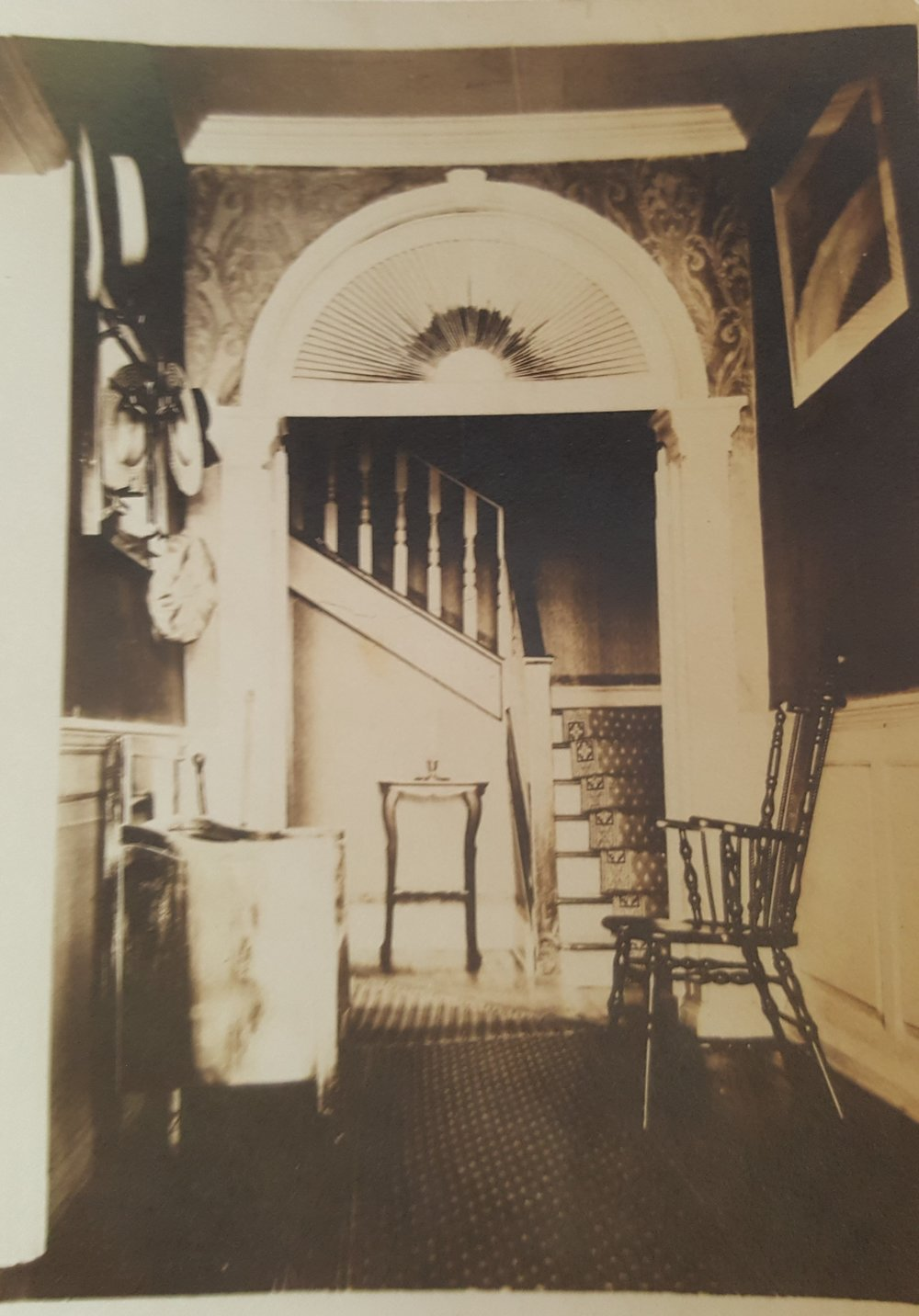 Pipin Photos undated interior.jpg