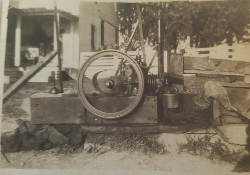 Pipin Photos undated well pump.jpg