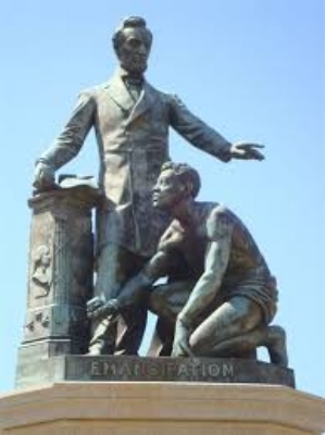 Lincoln Park statue.jpg