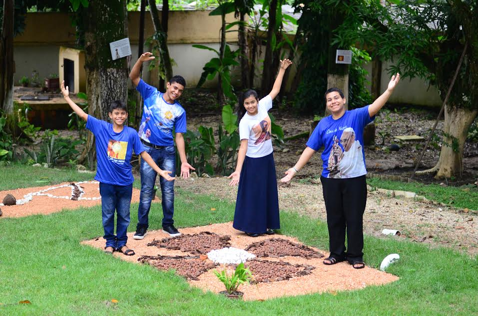 """SEMENTINHAS DO VERBO - A Comunidade desenvolve, desde o ano de 2010, o Projeto """"Sementinhas do Verbo"""", para acolher, amar e educar crianças, adolescentes e jovens em situação de risco em Belém-Pará."""