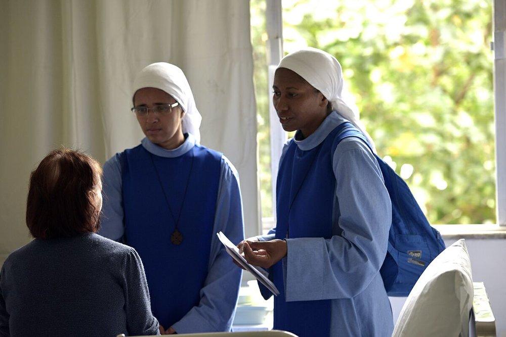 Pacientes são visitados durante a Trezena