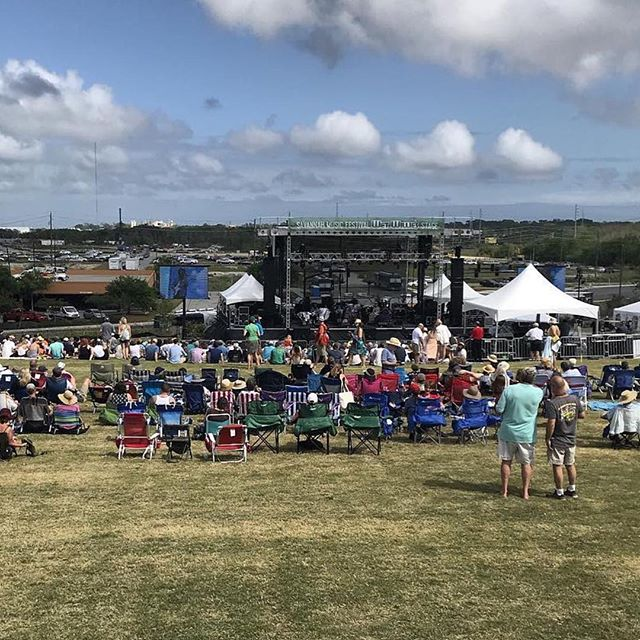 If y'all are out enjoying the #savannahmusicfestival finale tonight, be sure to stop by and see us before or after the show 🎶 All within walking distance and ready to serve you tonight: @firestreetfoodsavannah @theflyingmonknoodlebar  @chiveseabarandlounge  @littleduckdiner . . . Photo credit: @savannahmusicfestival #Repost @savannahmusicfestival with @get_repost ・・・ #smf2018finale