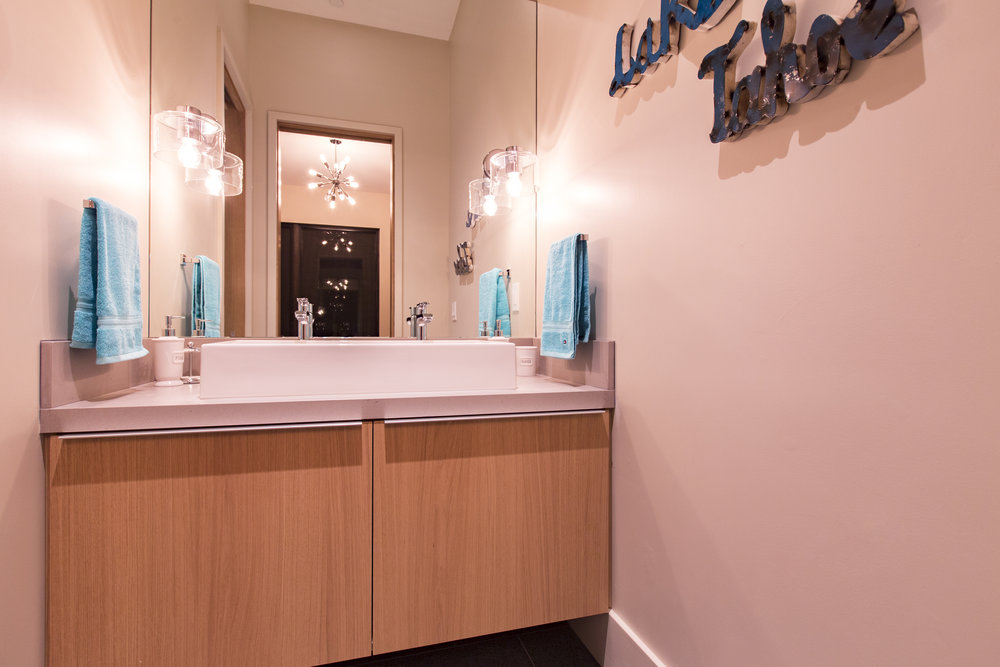 Lot274_MartisCamp_VineyardCustomHomes_Bath_4.jpg
