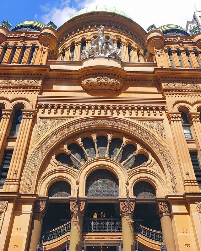 "🏰 Which is your favourite building in the world?! 🏩 🏙 Most major cities have at least one iconic building - in Sydney, apart from our Opera House, one of my favourites is the Queen Victoria Building 👸🇬🇧 @theqvb 👑 Known to Sydneysiders as the ""QVB"", most of it's beauty is apparent once you look up ⬆️ 🛍 With its beautiful green domes, grand piano, stained glass windows, shops, bars & cafes inside, the QVB is a must see if you're in Sydney 😍"