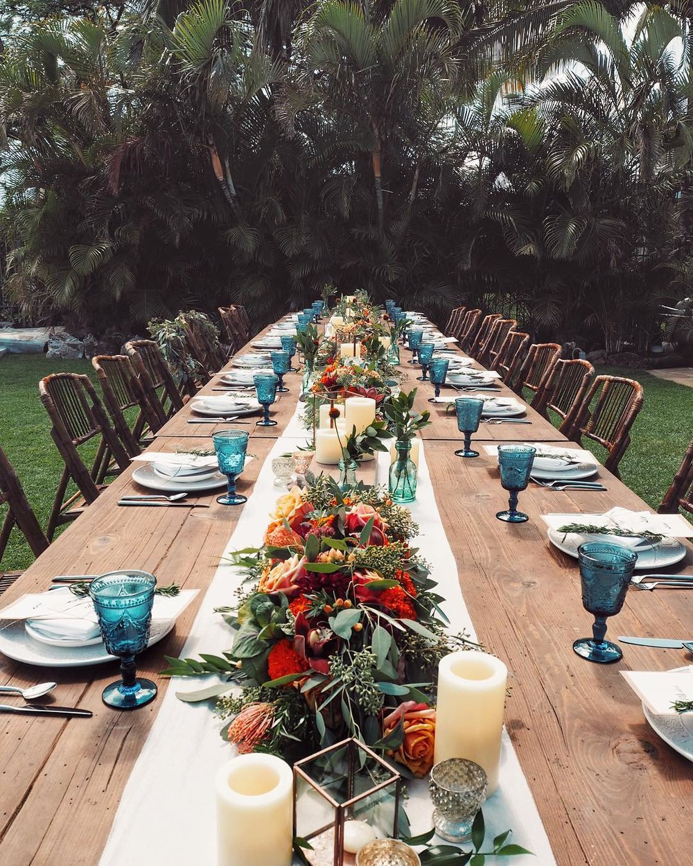 Bridal Flowers Hawaii Moya Wedding Reception Table