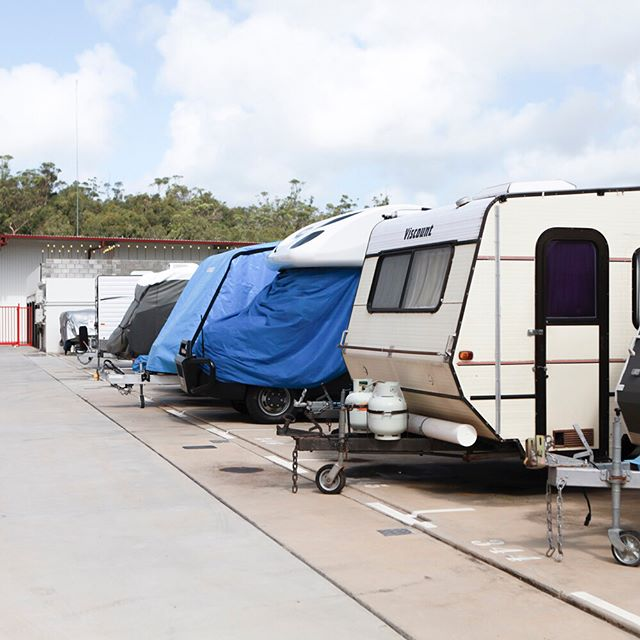 Mammoth Self Storage offers a range of vehicle and caravan storage options. 🚤🚐🚗With 8ft secure fencing and twice daily visual checks throughout the facility, you'll sleep soundly knowing that your prized procession is safe. 🔒 ⠀