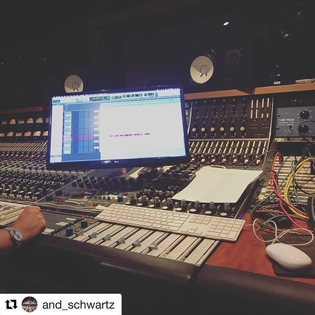 #Repost @and_schwartz ・・・ Workstation... . . . . . #recording #recordingstudio #recordingengineer #mix #mixengineer #mixing #mixingengineer #musicproduction #music #producer #avid #protools #rolex