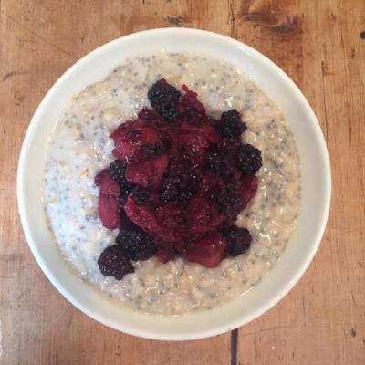 Porridge with stewed apple & berries @nourishedlondon