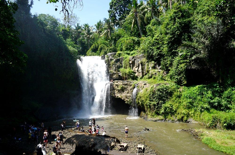 Bali waterfalls - Tegenungan