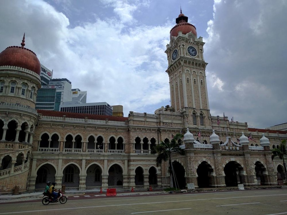Passing in front of Sultan Abdul Samad's building
