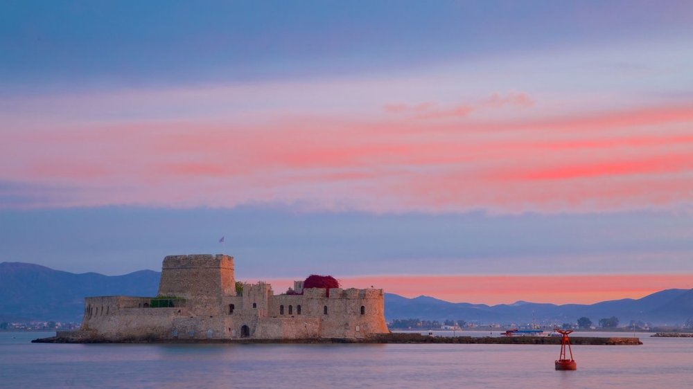 Beautiful colors over Bourtzi in Nafplio