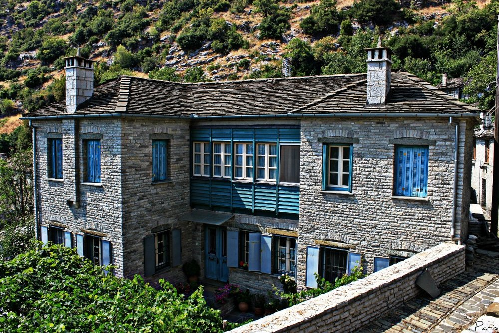 Traditional architecture in Kapesovo