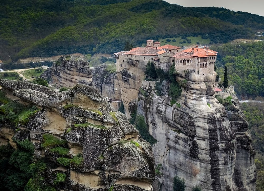 Meteora: the ideal October getaway in Greece