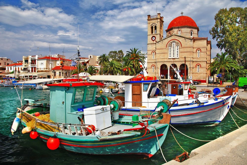 Vivid colors at the Aegina port. Source:  Filippis Tours