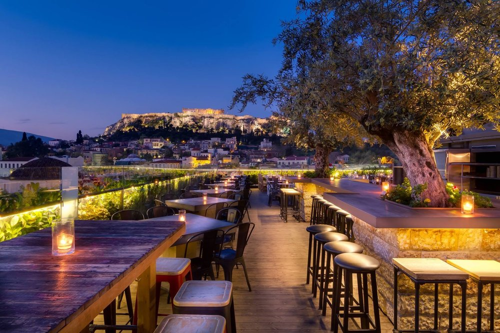 360 degrees bar is an absolute must for night views. Source: Interbar International