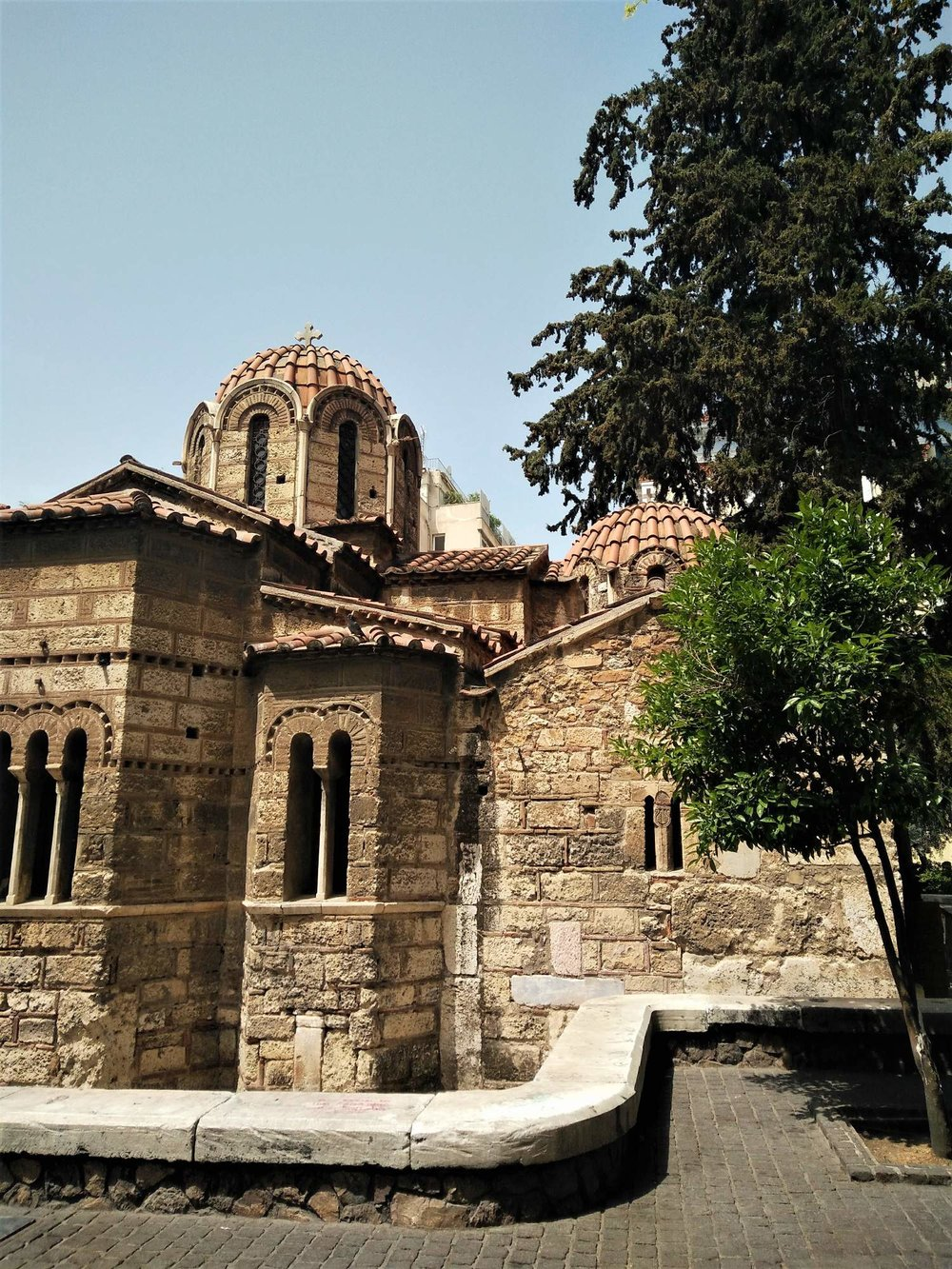 Kapnikarea church at Ermou Street. Source: Truevoyagers