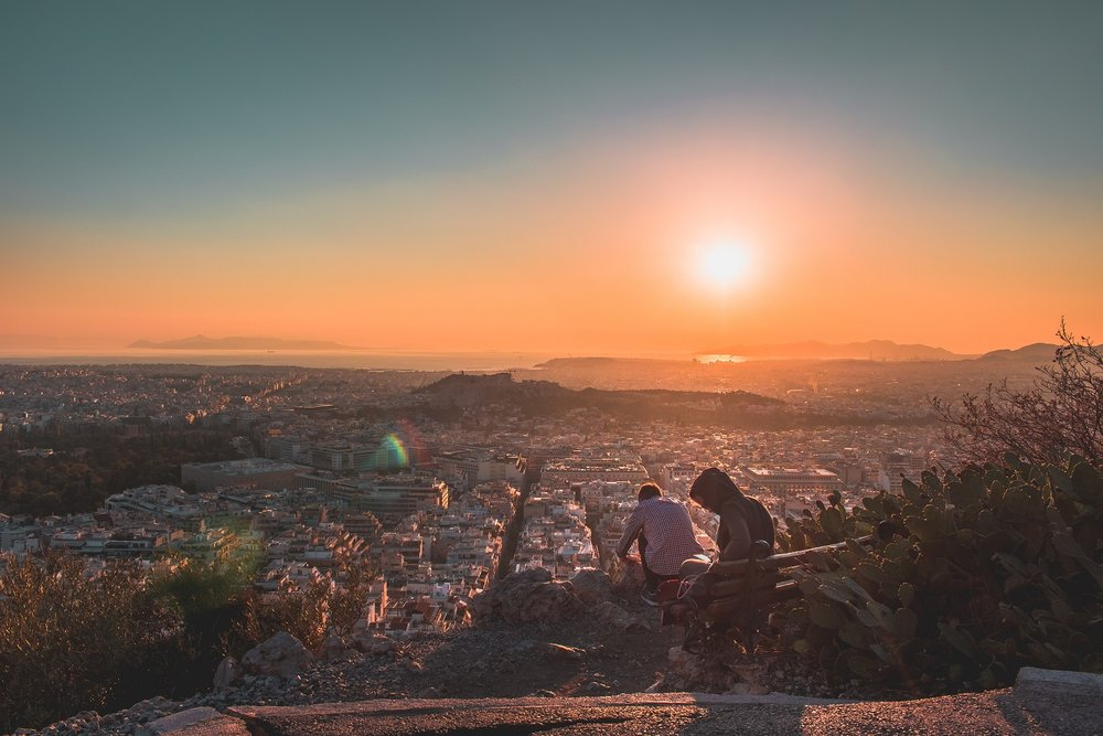 Enjoy a romantic afternoon and watch the sunset in one of the city's many hills. Source: Pixabay