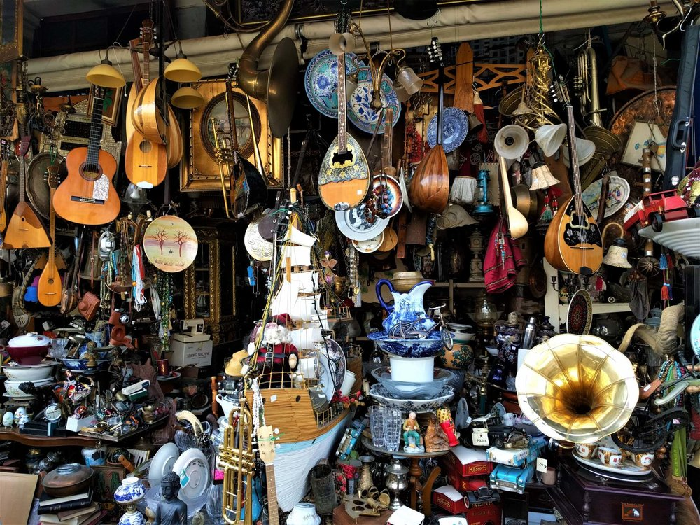 Little treasures await you in Psyrri flea market. Source: Truevoyagers