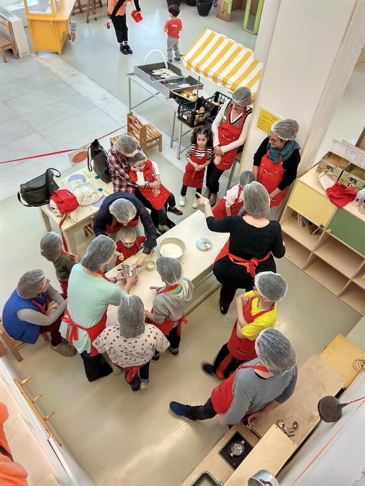 During a cooking activity inside the Hellenic Children's Museum. Source: HCM