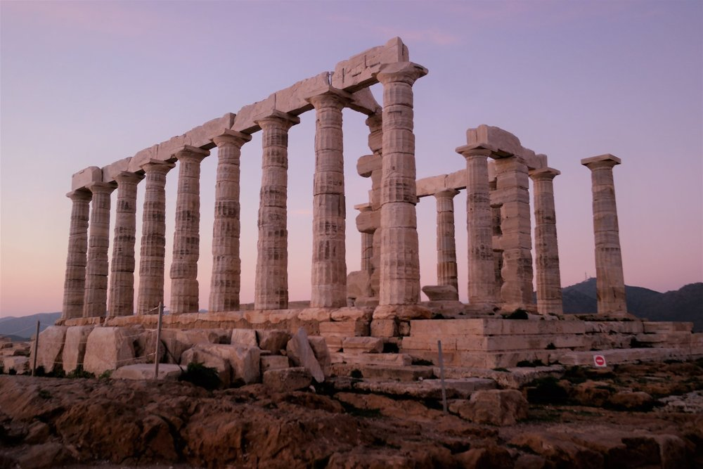 Enjoy the best sunset at Sounio, only a couple of kms away from Athens busy center. Source: Truevoyagers