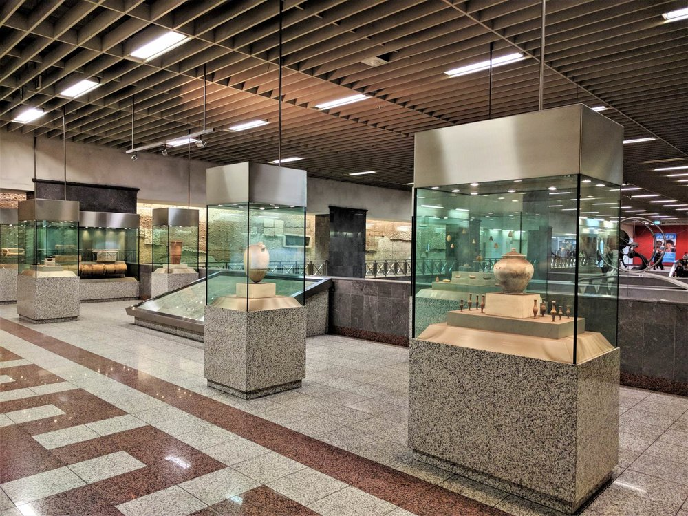 The ancient exhibits inside the Syntagma metro station. Source: Truevoyagers