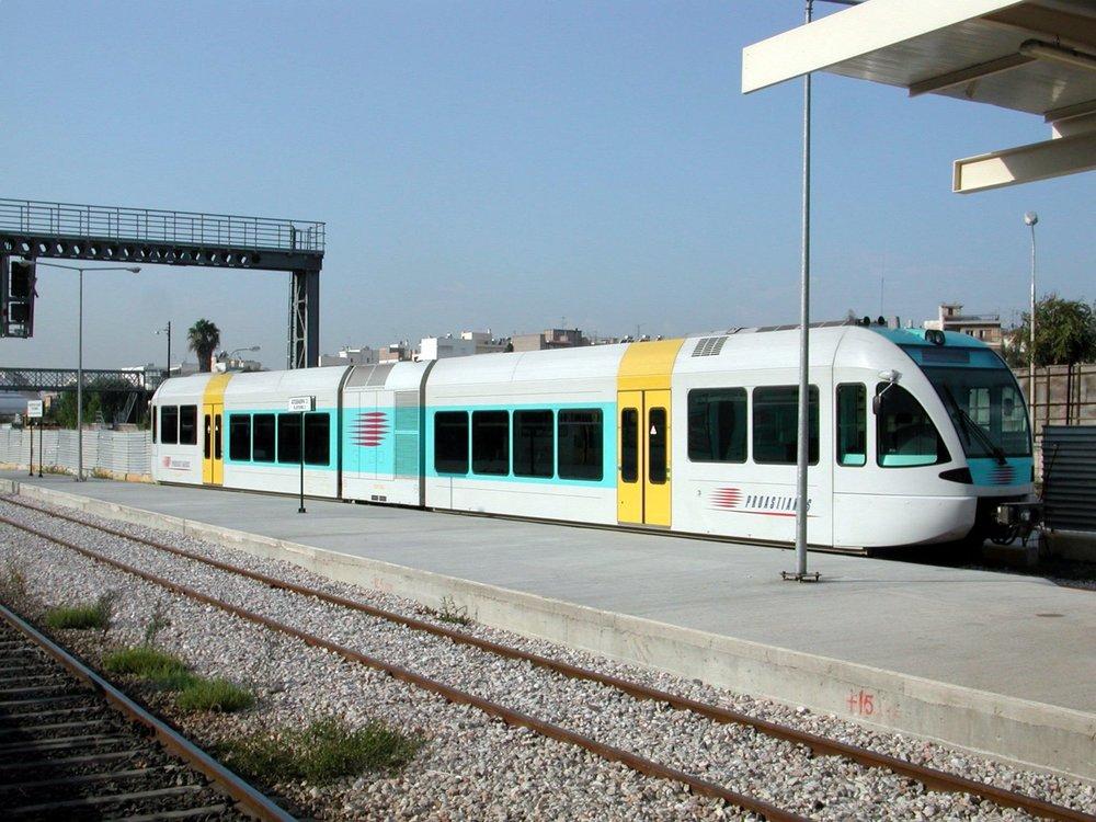 The trains of the suburban railway transfer you to areas outside the metropolitan area of Athens up to the city of Kiato, near Corinth.