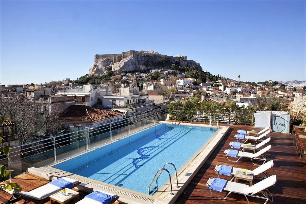 Electra Palace: Enjoy a luxurious experience with majestic views of Plaka and Acropolis.