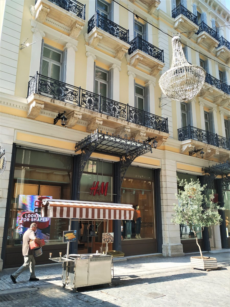 Ermou street is the main shopping venue of the center of Athens, where lots of international brands are represented.
