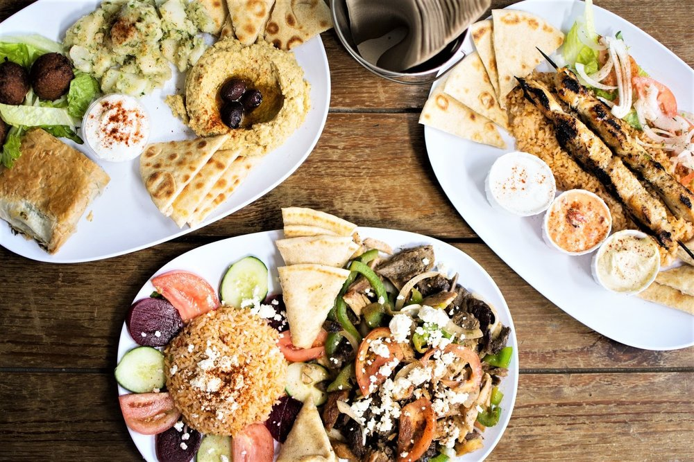 Greek cuisine is internationally acclaimed for its taste. But what are the Greek dishes that you need to try during your visit in Athens? Check our list with the top 7 dishes to try and where to find them in Athens below!