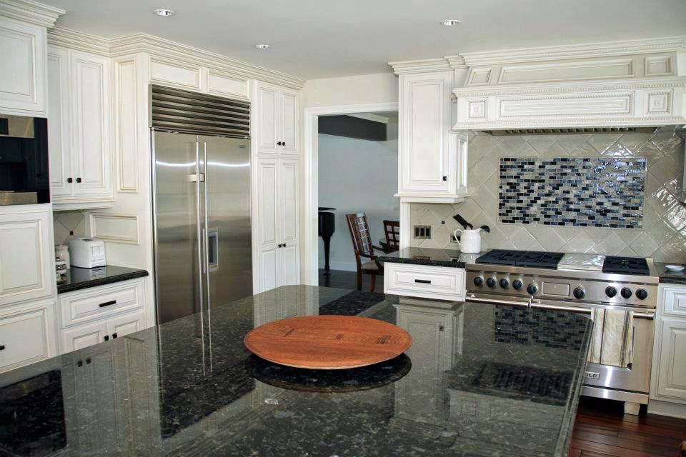 kitchen leo.jpg
