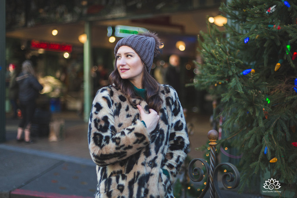 Kyla looking fashionable in her faux fur coat at Pike Place Market in Seattle - Photography by Paul Garrett