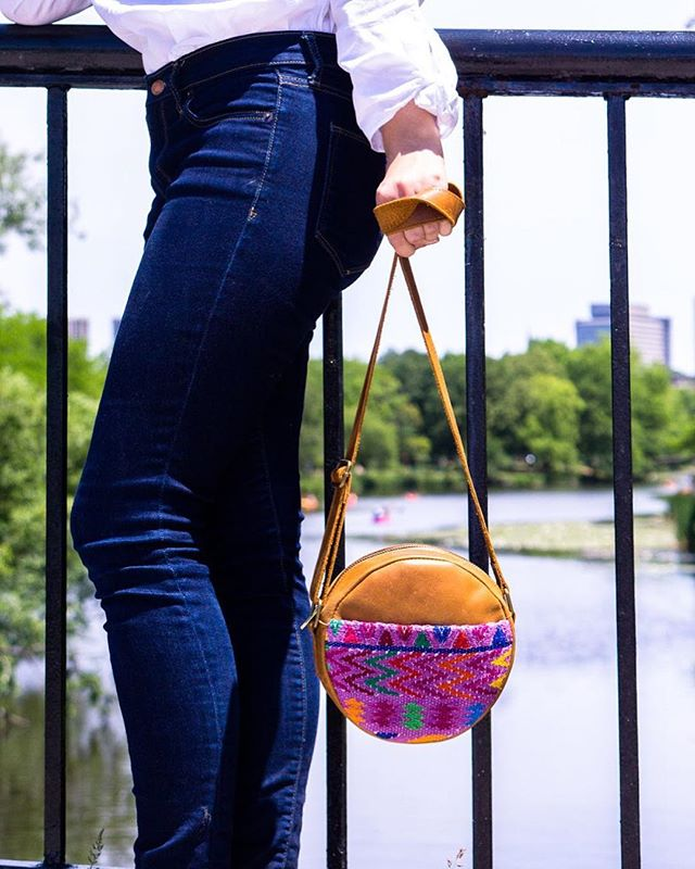 ✨G I V E A W A Y  D E T A I L S 🤩  We've partnered with @floboniface to give y'all the chance to #WIN our gorgeous mayan inspired leather bag handmade from Guatemala 🇬🇹 (taking 4 DAYS to complete!) 👐🏼 To enter you must do the following: 1⃣. LIKE @floboniface's entry post & FOLLOW @floboniface AND @mymerkata  2⃣. TAG your fellow bag-lover (in the comments of @floboniface's entry post)! Unlimited entries. 🤞 3⃣. Extra entry for sharing on your stories or posts & tagging us both in 😏 4⃣. A winner will be chosen at random on Wednesday the 15th of August. 🌎 Open WORLDWIDE ✈️ Per Instagram rules, we must mention this is in no way sponsored, administered, or associated with Instagram, Inc. By entering, entrants confirm they release Instagram of responsibility, and agree to Instagram's term of use. #mymerkata #EthicalFashion