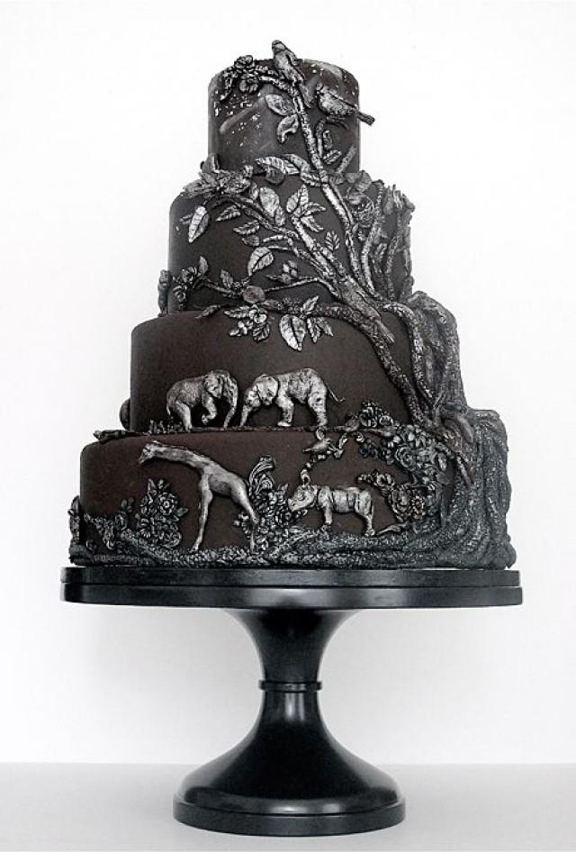 8. A more sophisticated and unique way to have an animal themed cake. Now you can be a wild child at your wedding.