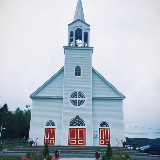 Le nouveau perron d'église