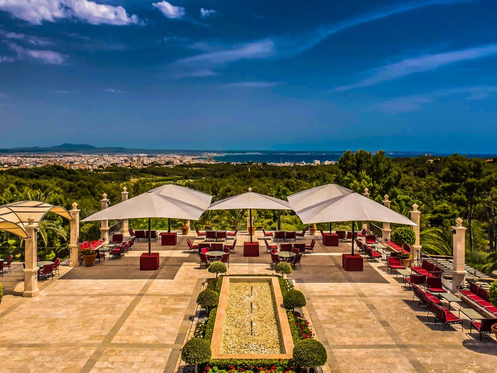 Romantic and elegant castle with beautiful views of Palma