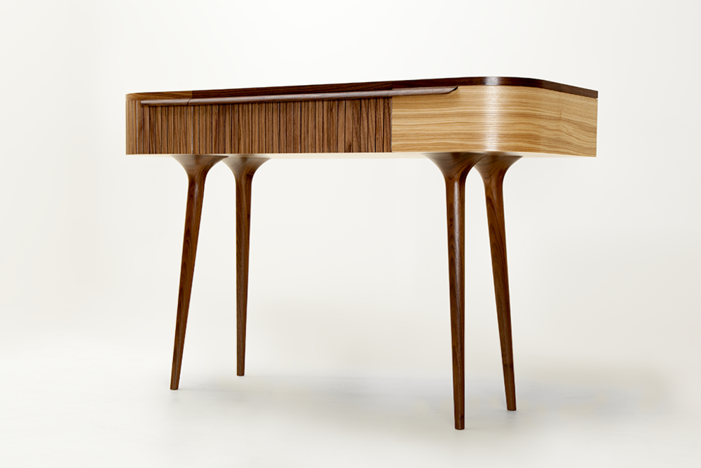 dressing_table_3qtr3.png