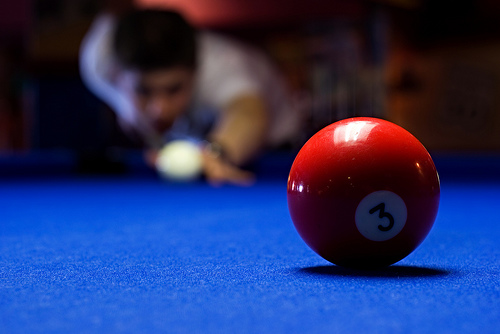crisp-blue-pool-table-cloth-contrast.jpg