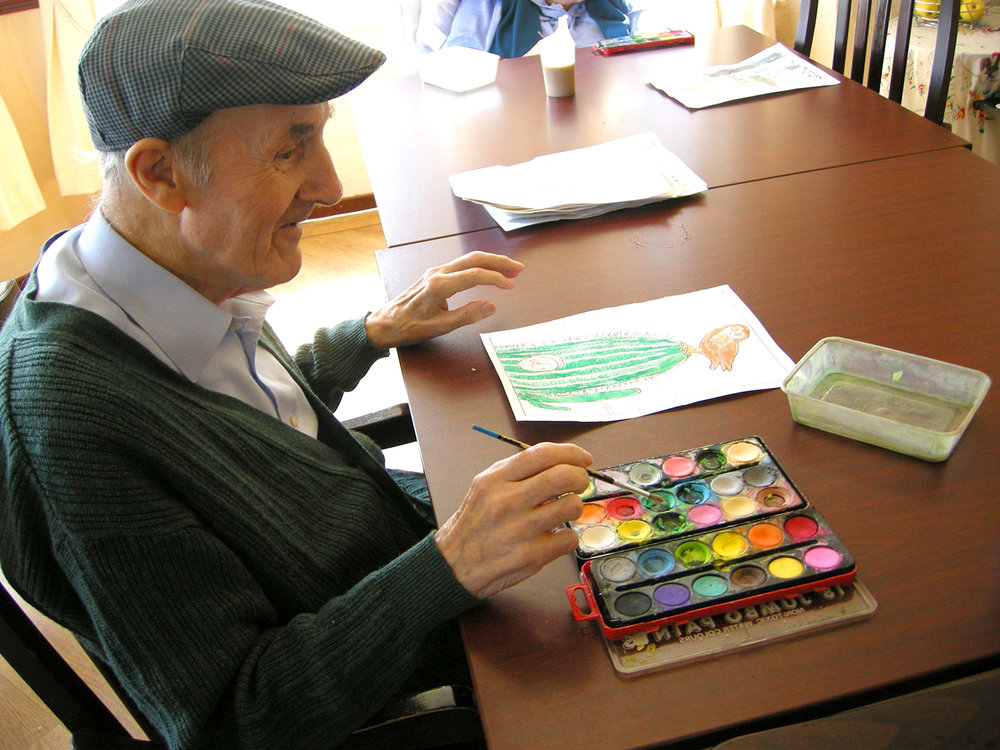 writing-people-home-paint-old-man-cash-1167998-pxhere.com.jpg