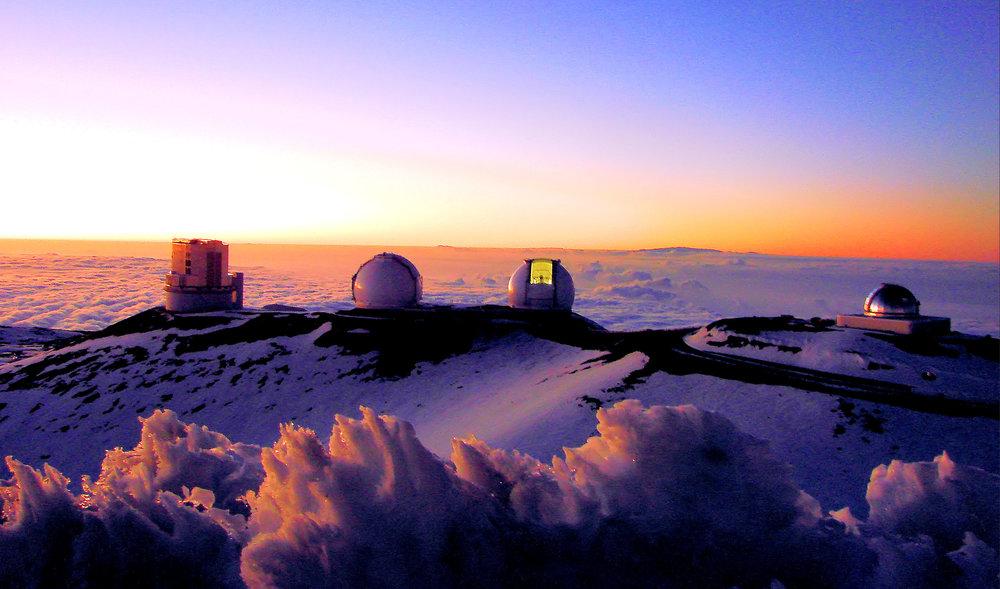 Mauna_Kea_observatory.jpg
