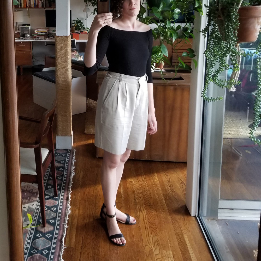 Saturday - May 26, 2018Check out these shorts! Remember me talking about blousy shorts? I finally found some and I love them.Shirt / Amour Vert (1H)Shorts / Vintage from Tara Lyn Evans Studio (2H)Shoes / Nisolo (2H)