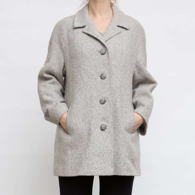 Heather gray coat - $40.23 / 55% wool, 45% acrylic/nylon blend / Ships from LithuaniaOK this one is slightly less wool content than Everlane, but it's very similar to their heather gray colorway, but at a fraction of the cost. And look at those little contrast triangle details on the sleeves! This is seriously cute but minimal.