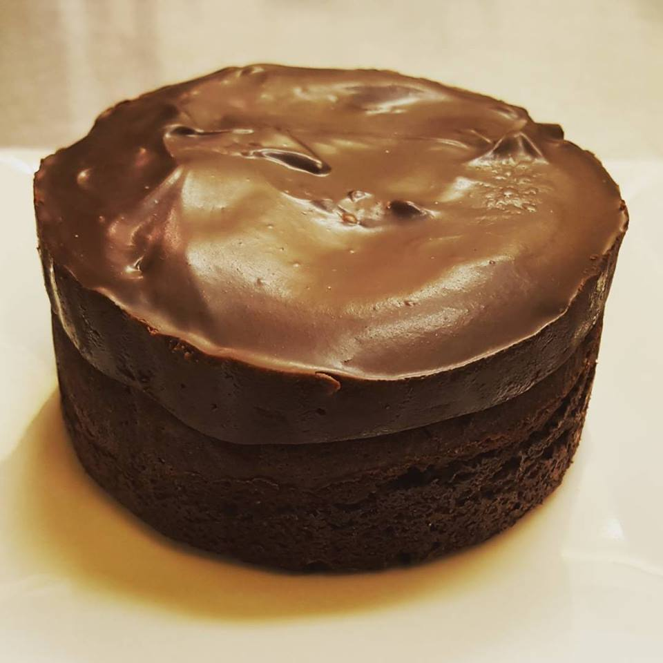 Flourless chocolate cake.jpg