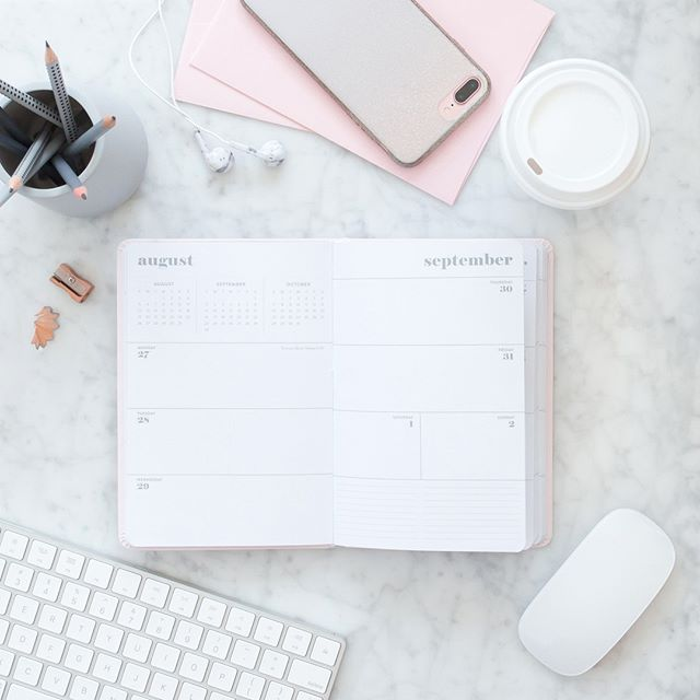 Now that Thanksgiving is over, it's time to get to work on finishing this year STRONG!  So tell me, what's on your agenda RIGHT NOW. What are you going to accomplish this week?  #business #success #motivation #inspiration #entrepreneurship #startup #girlboss #entrepreneurlife #hustle #marketing #smallbusiness #businessowner #businesswoman #love #womeninbusiness #goals #mindset #communityovercompetition #mycreativebiz #creativeentrepreneur #femaleentrepreneur #risingtidesociety #creativepreneur #ladyboss #solopreneur #womeninbiz #calledtobecreative #flashesofdelight #beingboss #bossbabe