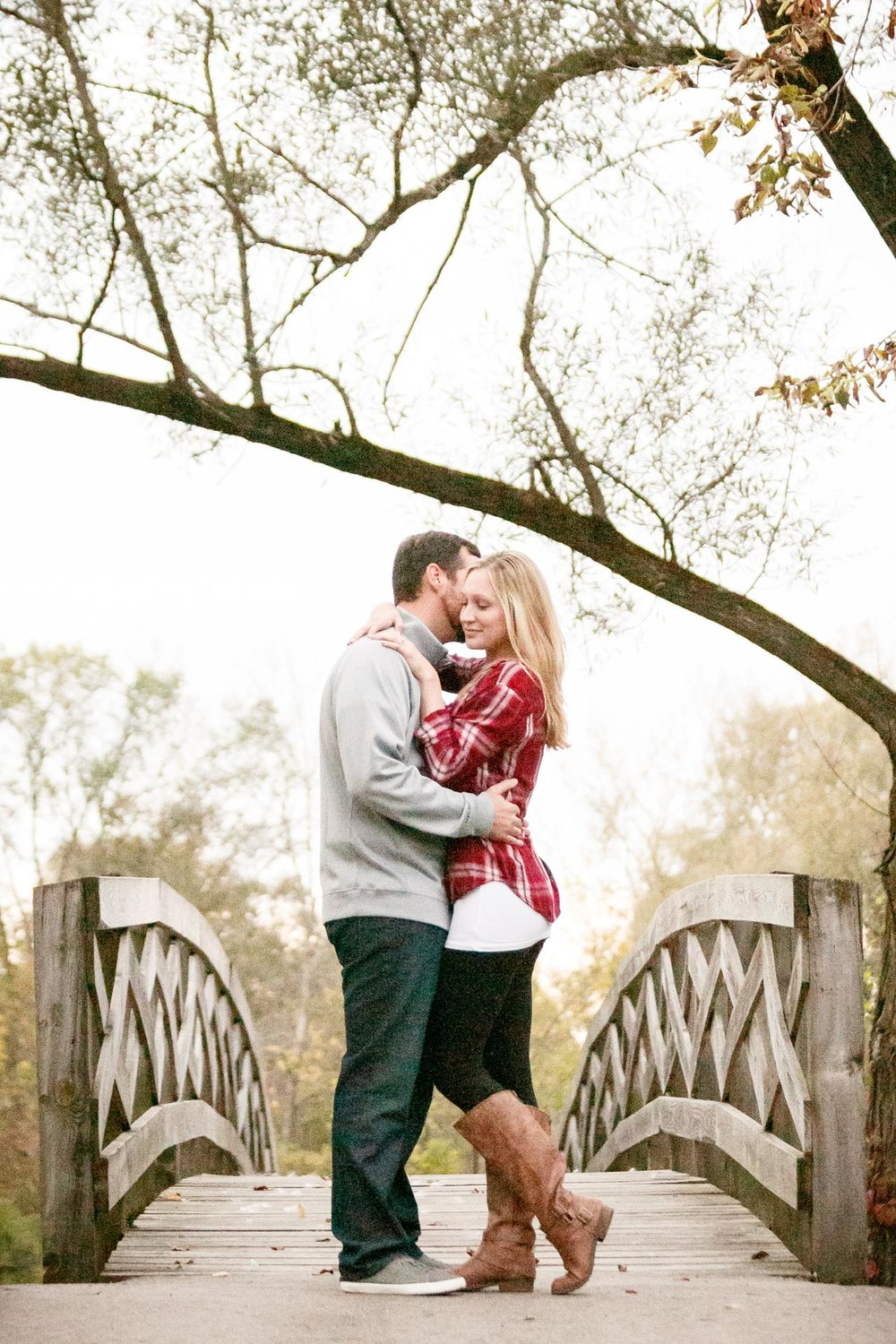 covered-bridge-park-wisconsin-engagement-adam-shea-photography-green-bay-appleton-neenah-photographer-14.jpg