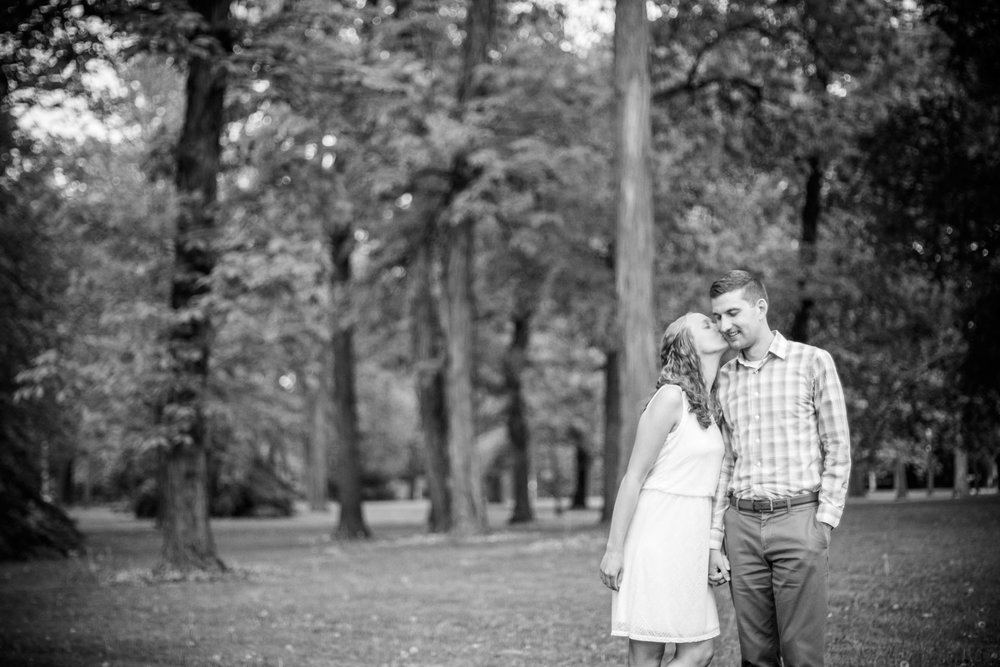 riverside-park-neenah-engagement-adam-shea-photography-green-bay-appleton-neenah-photographer-3.jpg