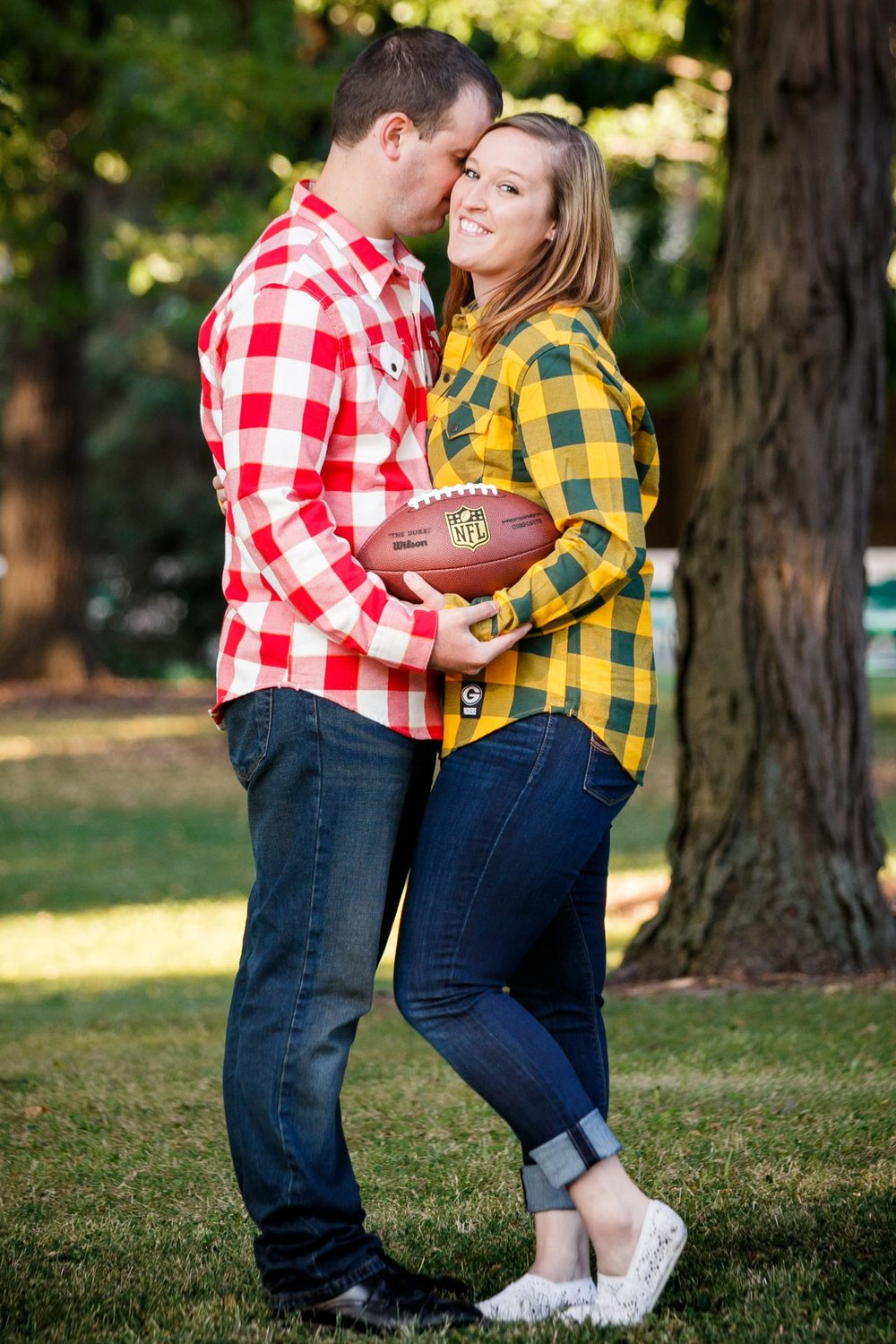 engagement-photos-riverside-park-neenah-adam-shea-photography-green-bay-appleton-neenah-photographer-12.jpg