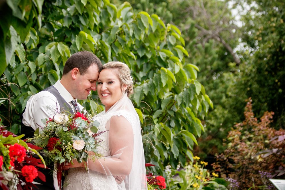 green-bay-botanical-gardens-wedding-adam-shea-photography-green-bay-appleton-neenah-photographer-24.jpg