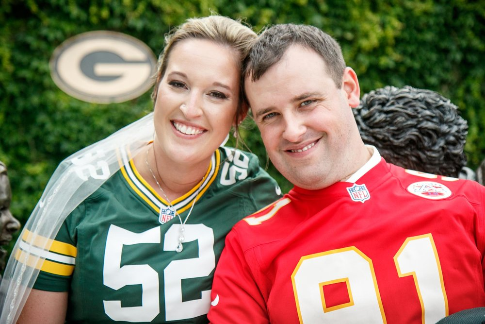 lambeau-field-wedding-bride-groom-adam-shea-photography-green-bay-appleton-neenah-photographer-5.jpg
