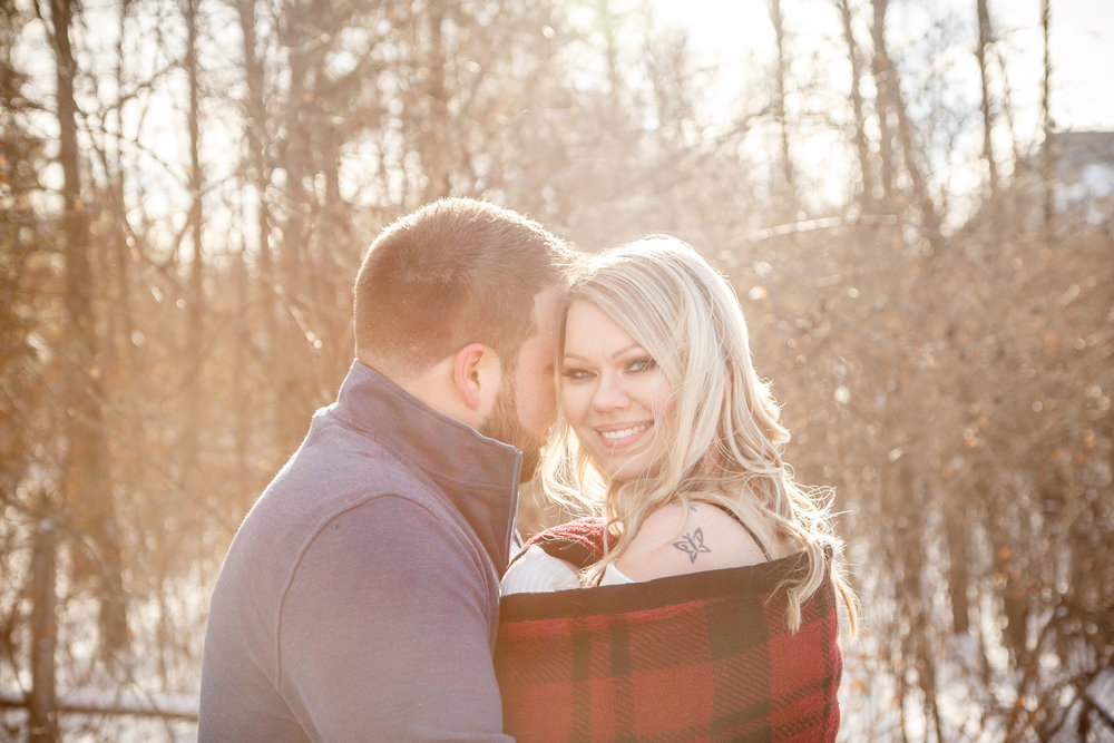A handy guide for photographers and couples looking to learn the best tips and tricks on how to capture the perfect winter engagement and wedding photos.  As a Wisconsin-based photographer who serves Green Bay, Appleton, Neenah/Menasah and Oshkosh,   Adam Shea Photography   has extensive experience photographing in extremely cold conditions.